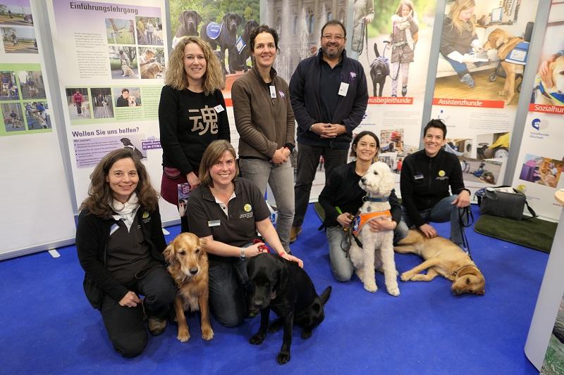 Hundemesse Winterthur mit der Blindenführhundeschule Allschwil